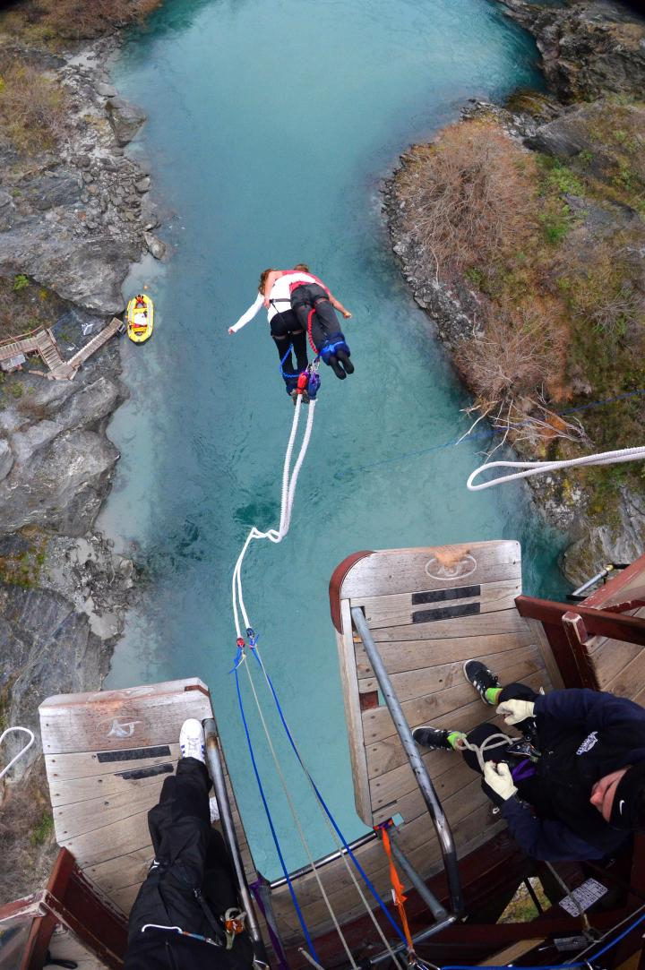 Bungee Jumping in Queensland, NZ